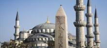 Blue-Mosque-and-Obelisk-in-Sultanahmet-1.jpg
